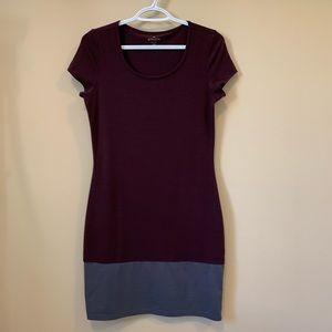 Athleta Gray Purple Short Sleeves Scoop Neck Dress